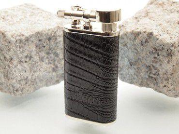 Pearl Pfeifenfeuerzeug Stanley mit Eidechsenprägung schwarz