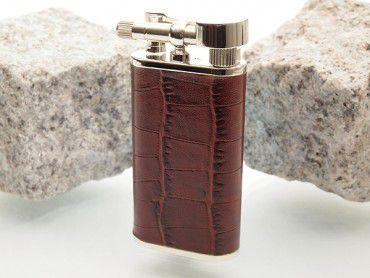 Pearl Pfeifenfeuerzeug Stanley mit Krokoprägung braun